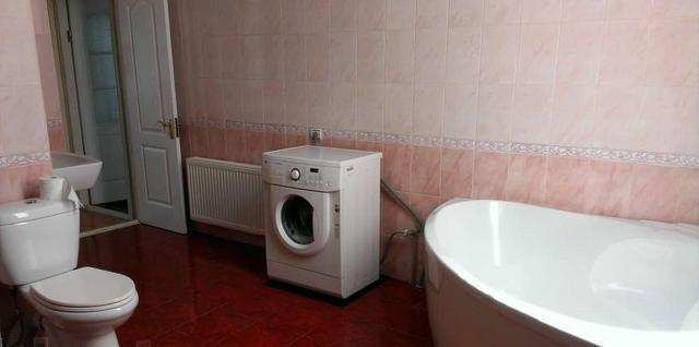 г. Феодосия, Крымская ул, 5-комнатная квартира, 120 кв м, Продажа