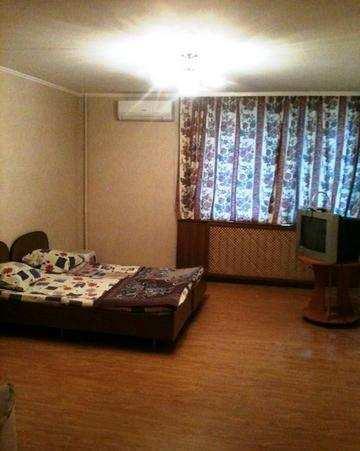 г. Феодосия, Старшинова Бульвар, 2-комнатная квартира, 65 кв м, Продажа