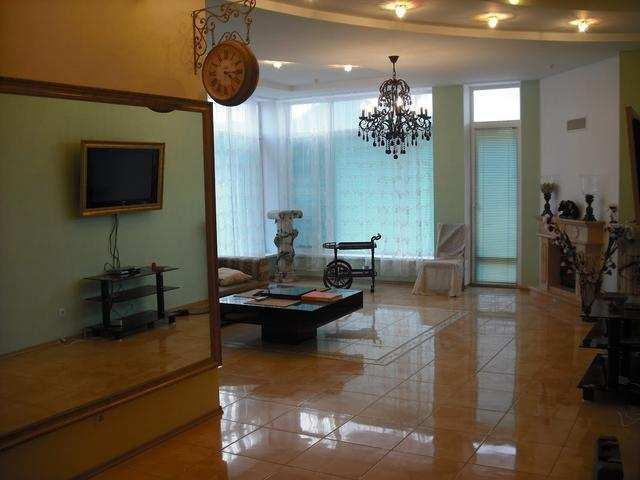 пгт Коктебель, Арматлукская ул, 3-комнатная квартира, 130 кв м, Продажа