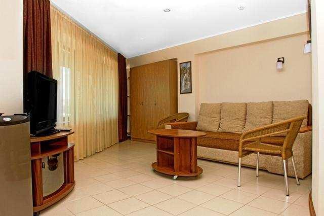 г. Феодосия, Черноморская набережная, бизнес, 500 кв м, Продажа