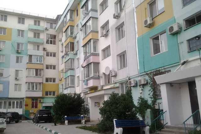 г. Феодосия, Крымская ул, 3-комнатная квартира, 70 кв м, Продажа