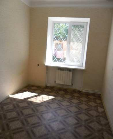Купить 3 комнатную квартиру 60 кв м по ул Симферопольское шоссе в Феодосии.