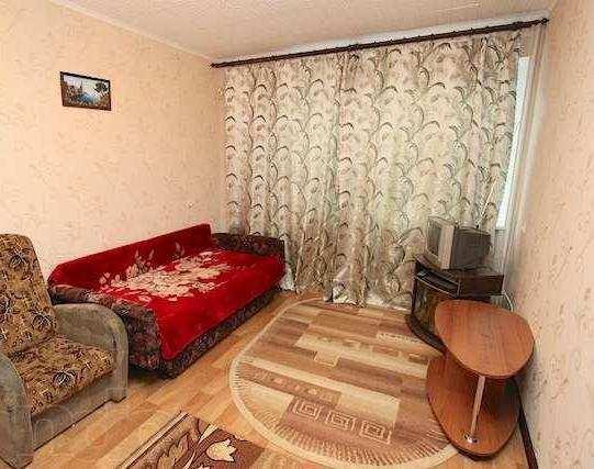 Купить 2 комнатную квартиру 52 кв м по ул Анюнаса в Феодосии.