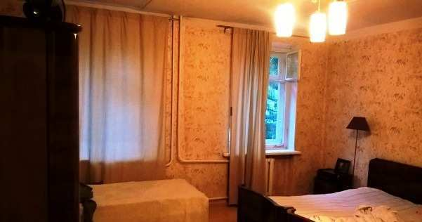 г. Феодосия, Земская ул, 3-комнатная квартира, 64 кв м, Продажа