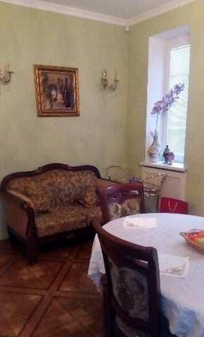 г. Феодосия, Нахимова ул, 3-комнатная квартира, 80 кв м, Продажа