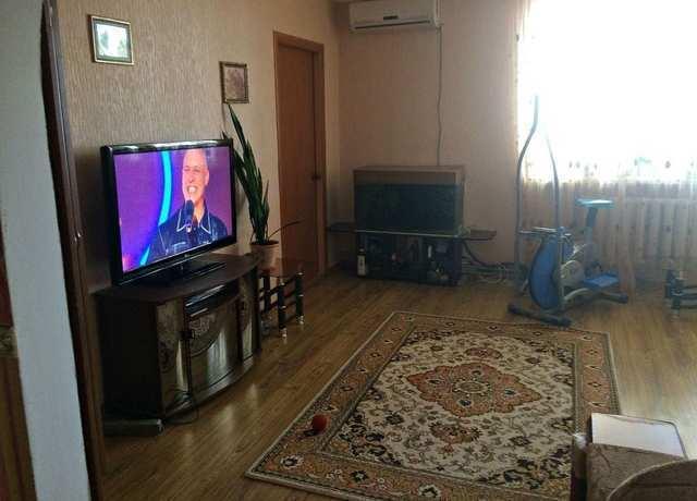 пос. Яркое Поле, Красносельского просп., 3-комнатная квартира, 58 кв м, Продажа