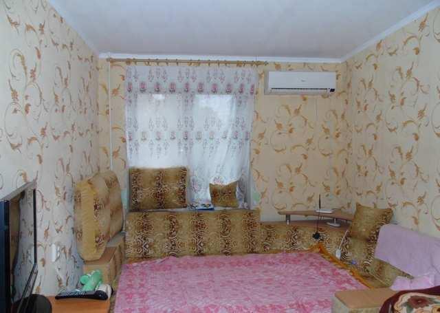 г. Феодосия, Старшинова Бульвар, 4-комнатная квартира, 83 кв м, Продажа