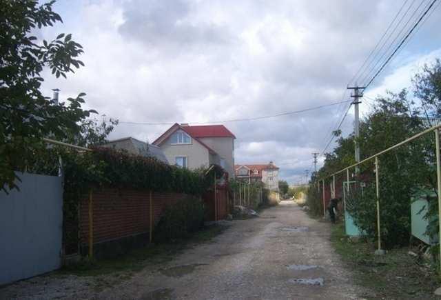 пгт Орджоникидзе, СПК Волна, 3 дополнительная линия, участок 6 соток, садоводчество, продажа.