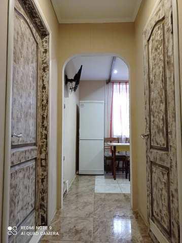 Купить 3 комнатную квартиру 72 кв м по ул Дружбы в Феодосии.