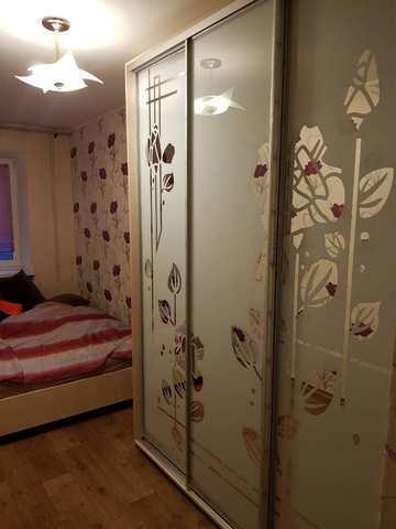 Купить 2 комнатную квартиру 49,8 кв м по б-р Старшинова в Феодосии.