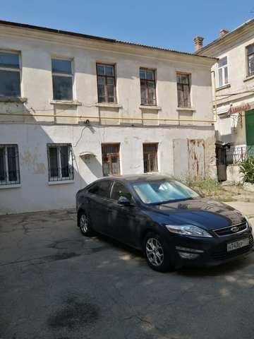 Купить 1 комнатную квартиру 39,7 кв м по ул Кирова в Феодосии.